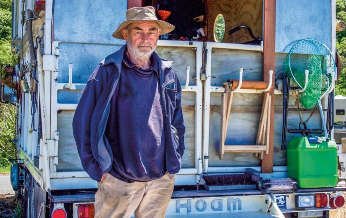 Garry Smith's house-truck 'Hoam'