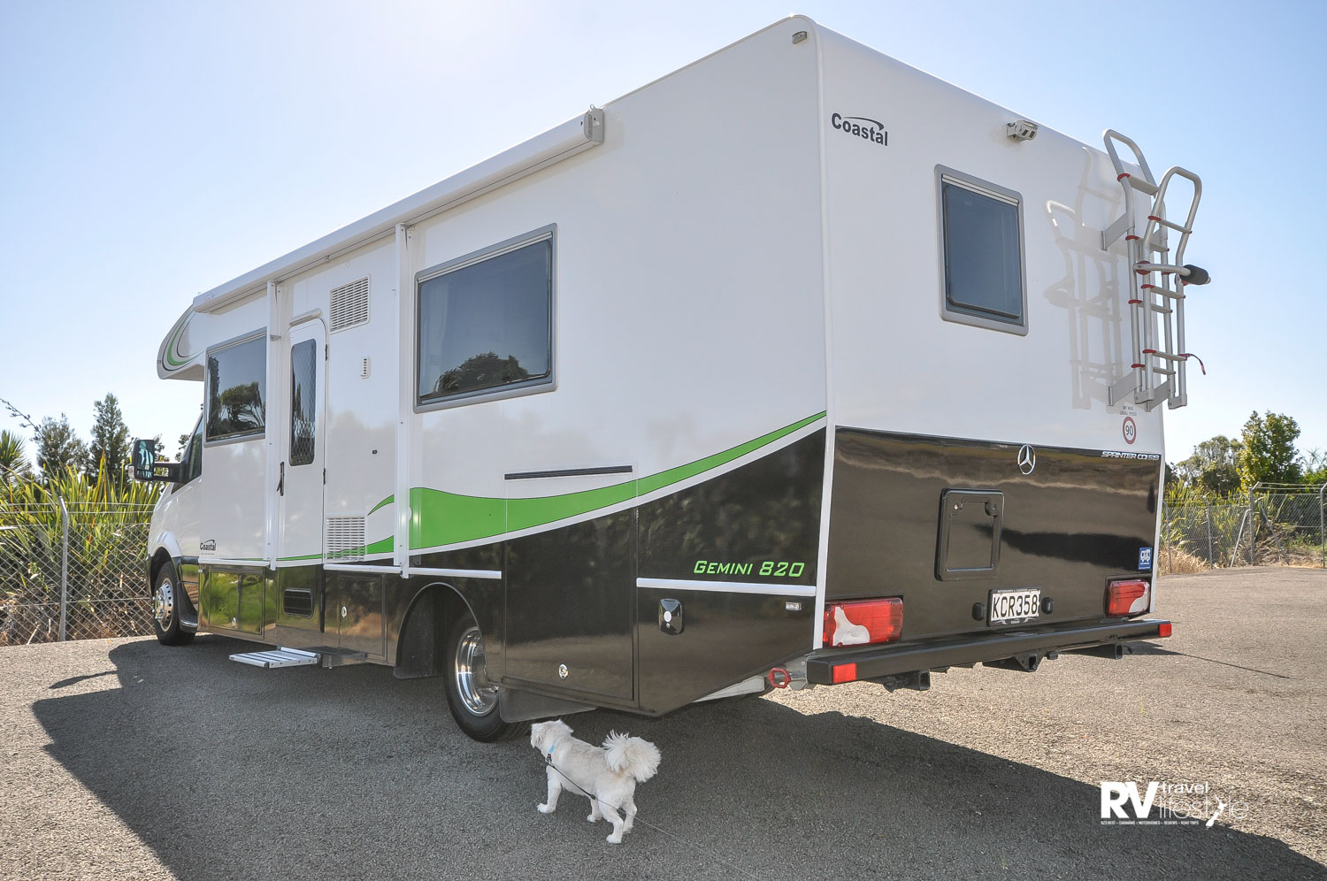 This Coastal Motorhome was interesting, I wanted to sniff out who had been there before