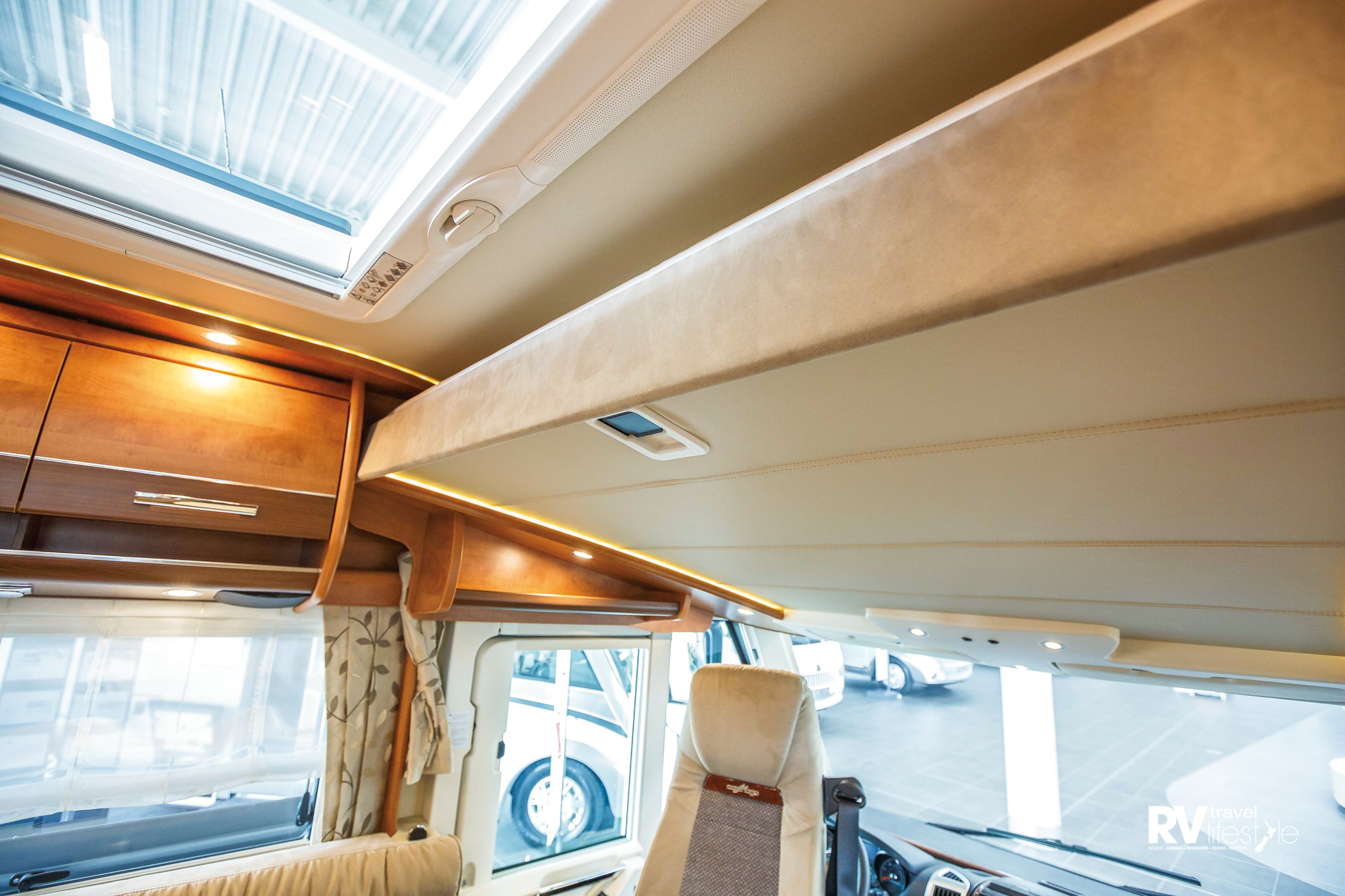 The ceiling holds the second bed, a large 1600x 1950mm bed; simply pull down as and when required. Large roof vents throughout the vehicle offer excellent light and ventilation