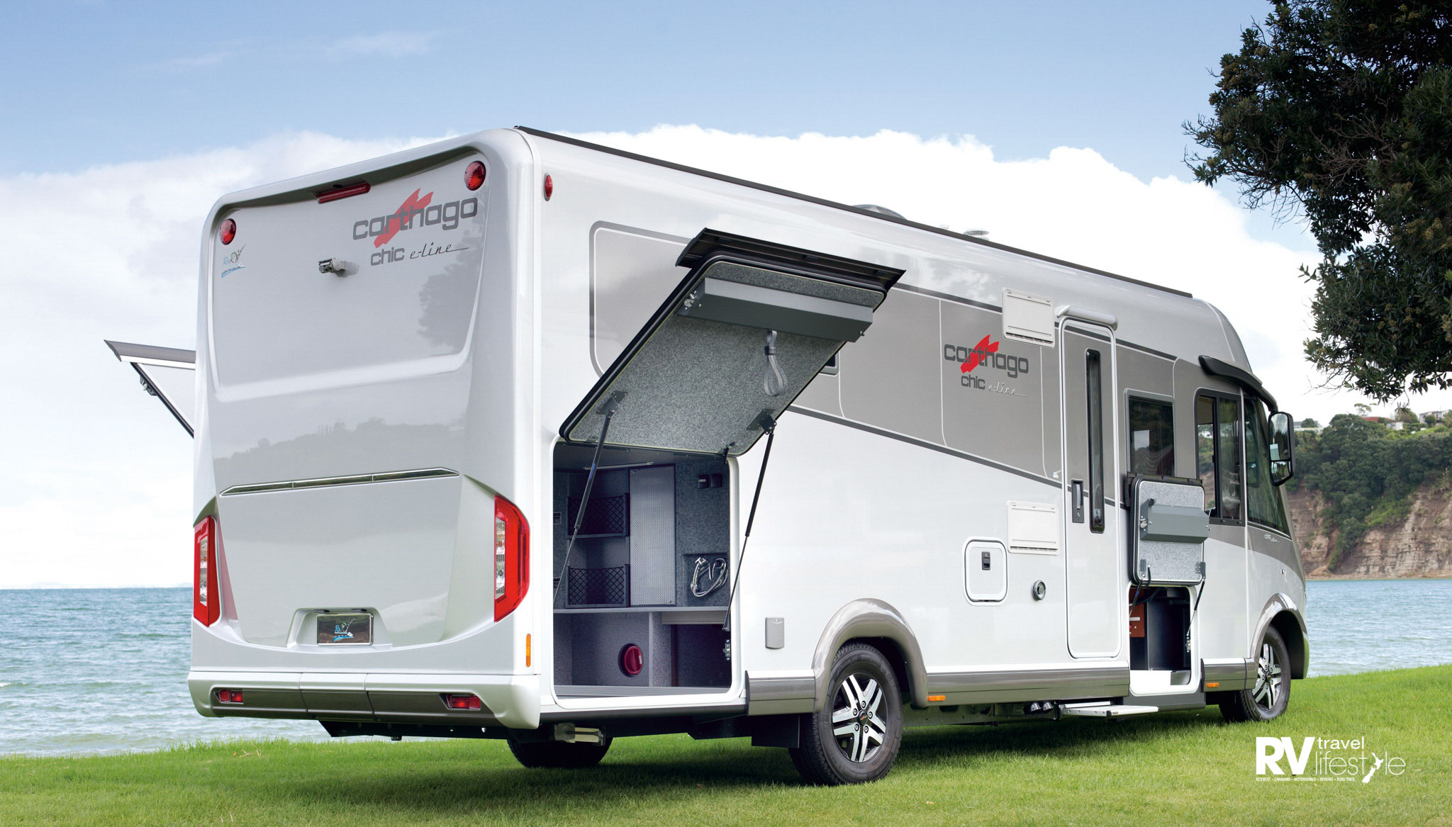 Huge storage in this E-line – the rear garage interior height is 1120mm and is accessible through doors on both sides. Doors lift up easily on gas struts and lock open as required