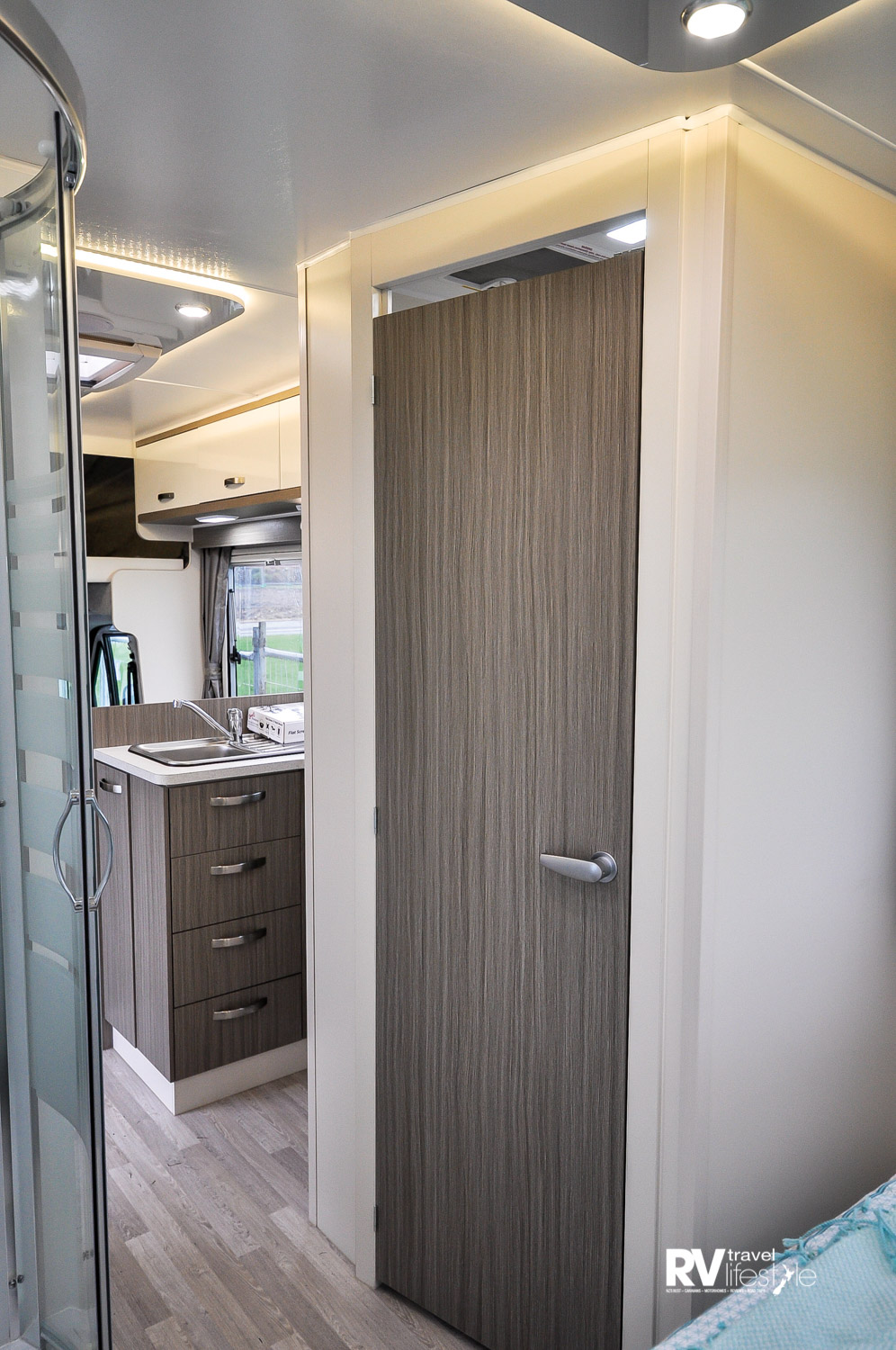 The rear bedroom has a separate toilet and shower