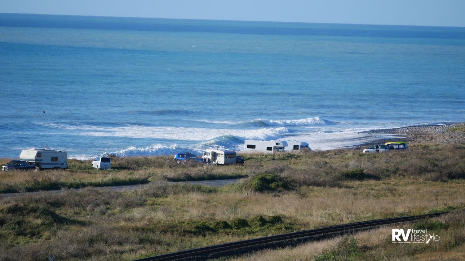 Freedom camping area north of Kaikoura – this becomes quite packed out now as there are very few spots to stop on the way down the coast nowadays