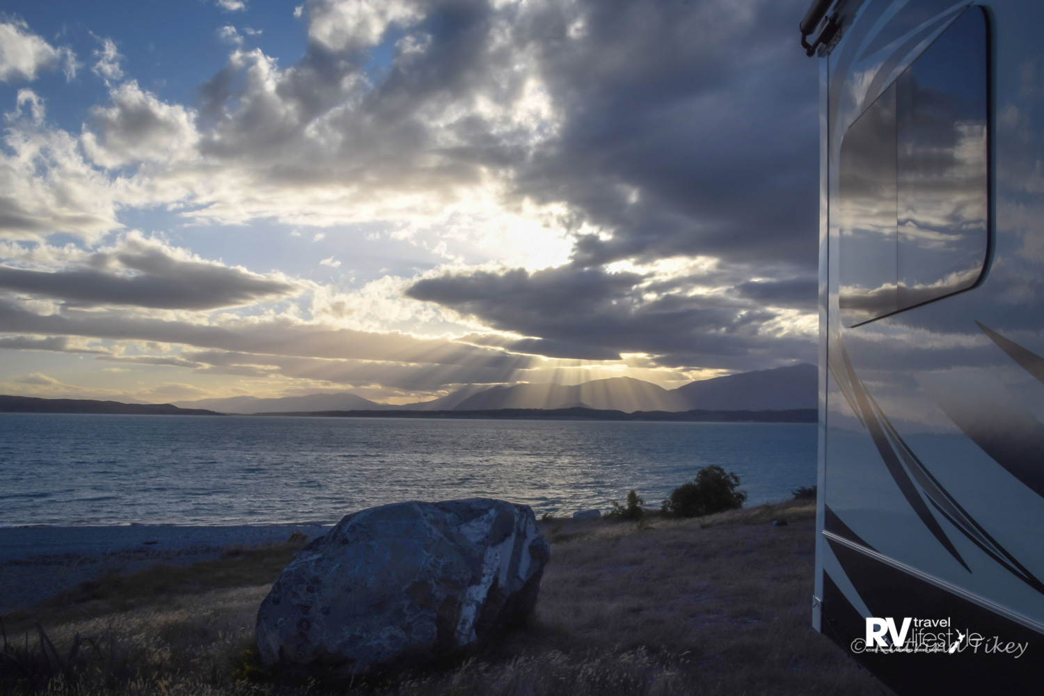 Lake Pukaki at the end of the day