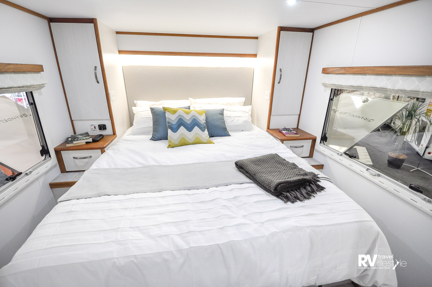 Light, bright, spacious with plenty of storage, drawers, hanging space, power plugs and views to lay back and enjoy with the cuppa your special someone just made for you (hopefully)