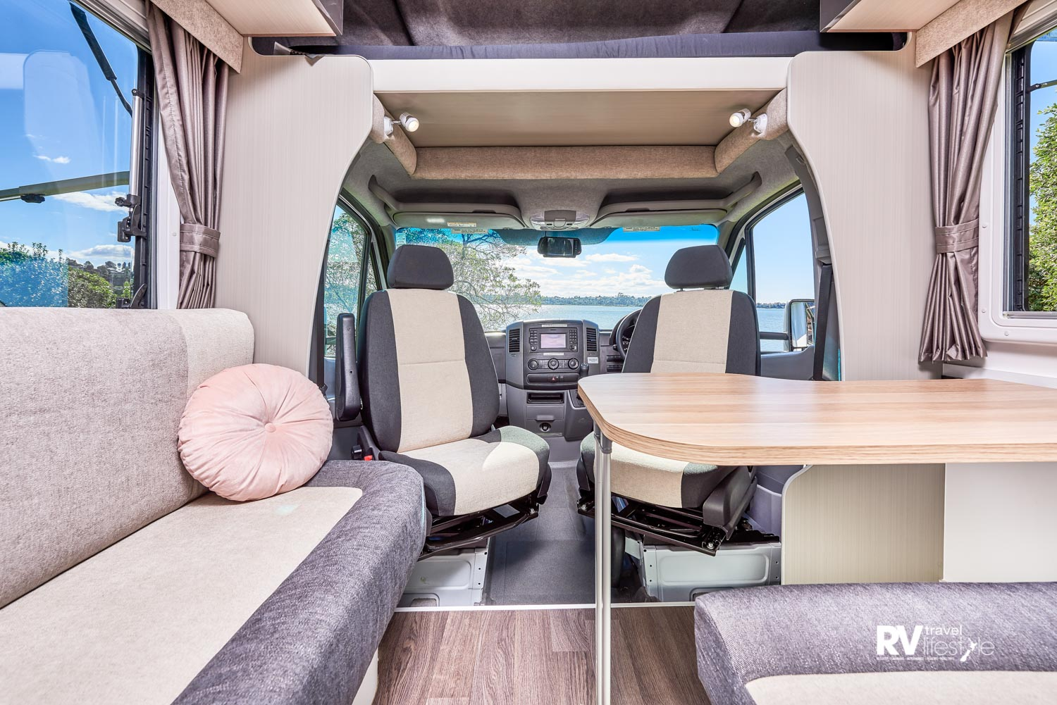 Work-life? The Olantas 531 would make a great office on the road
