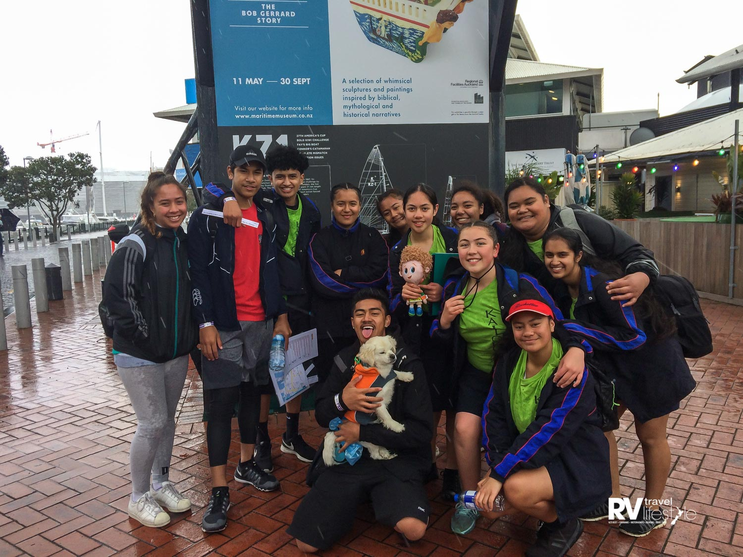 These kids from Alfriston College in Auckland were doing an 'Amazing Race' competiton around the Viaduct in Auckland, I was the only dog they spotted