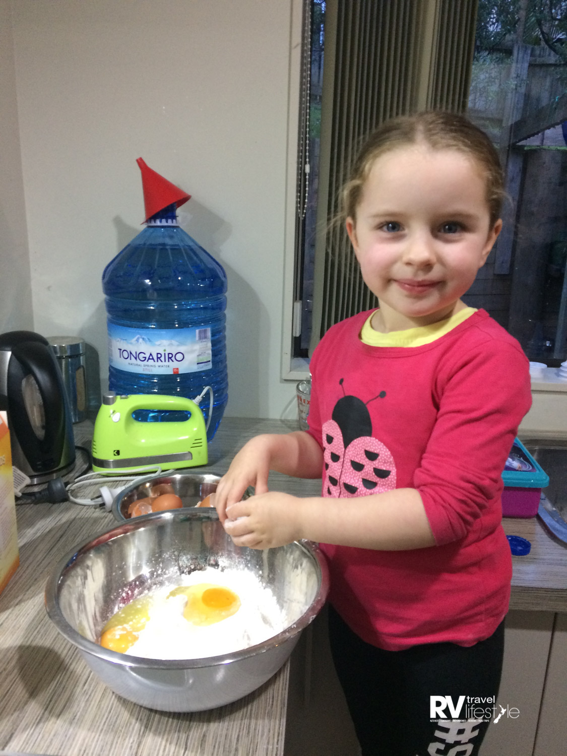 Helping bake cupcakes for her birthday, the art of baking is not lost to the youth after all – good job mum Melissa