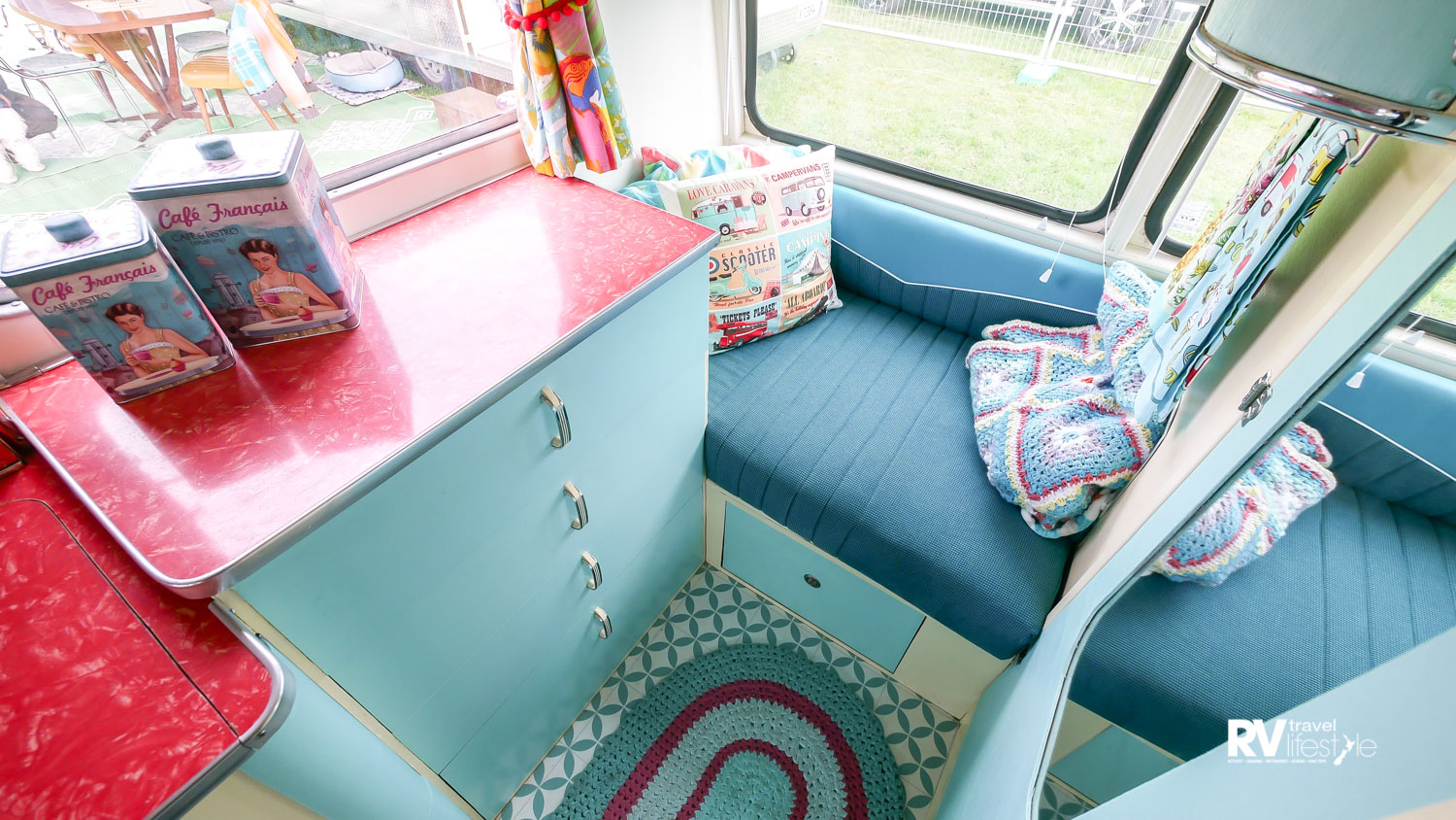 Single berth at one end, set back storage drawers, and lovely curved overhead cupboards, there is lots to love here