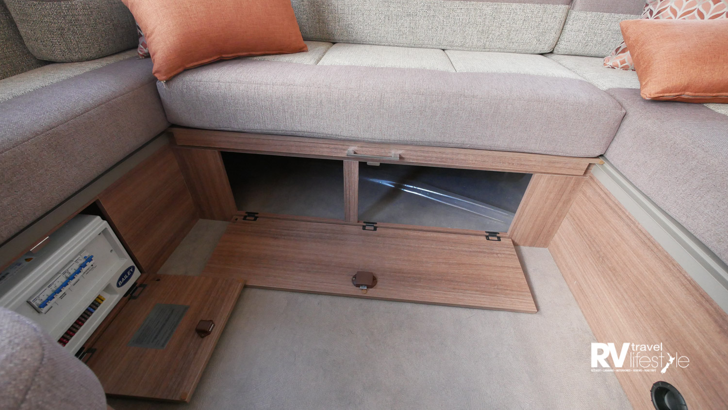 Under-couch storage, accessible from the exterior for the rear seat storage