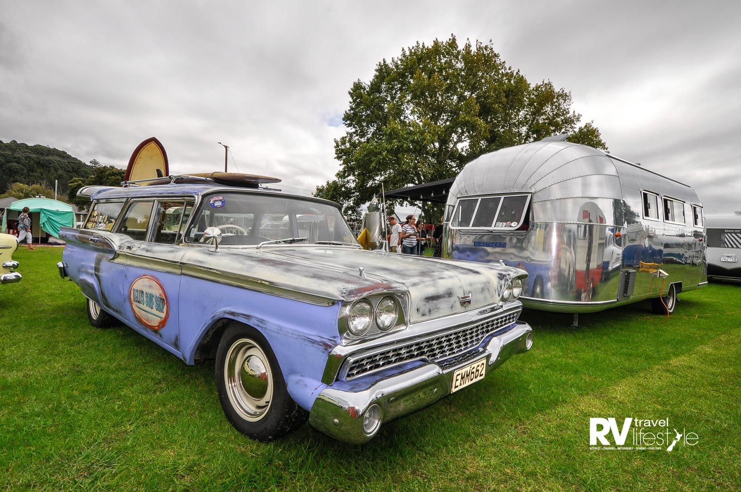 1959 Ford Country Sedan tow car with 1954 Airstream Flying Cloud