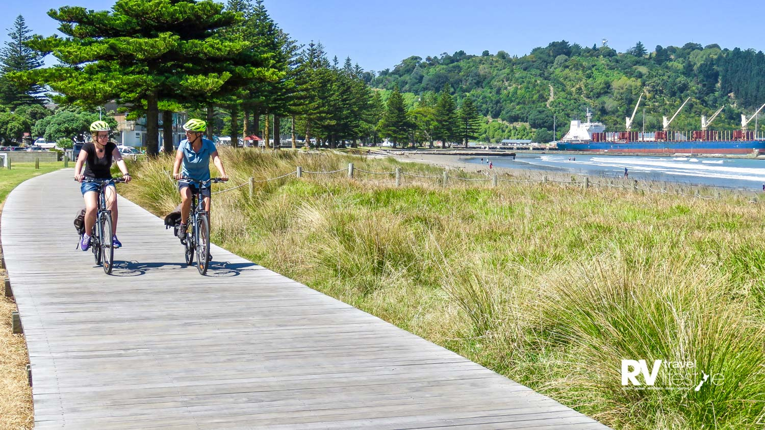Oneroa Cycle and Walkway offers magnificent coastal views