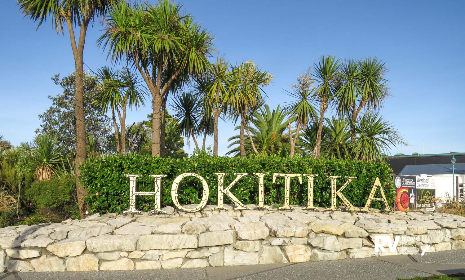 Hokitika welcome sign