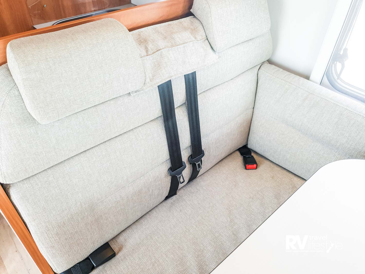 Front facing seat-belts in the dinette setting