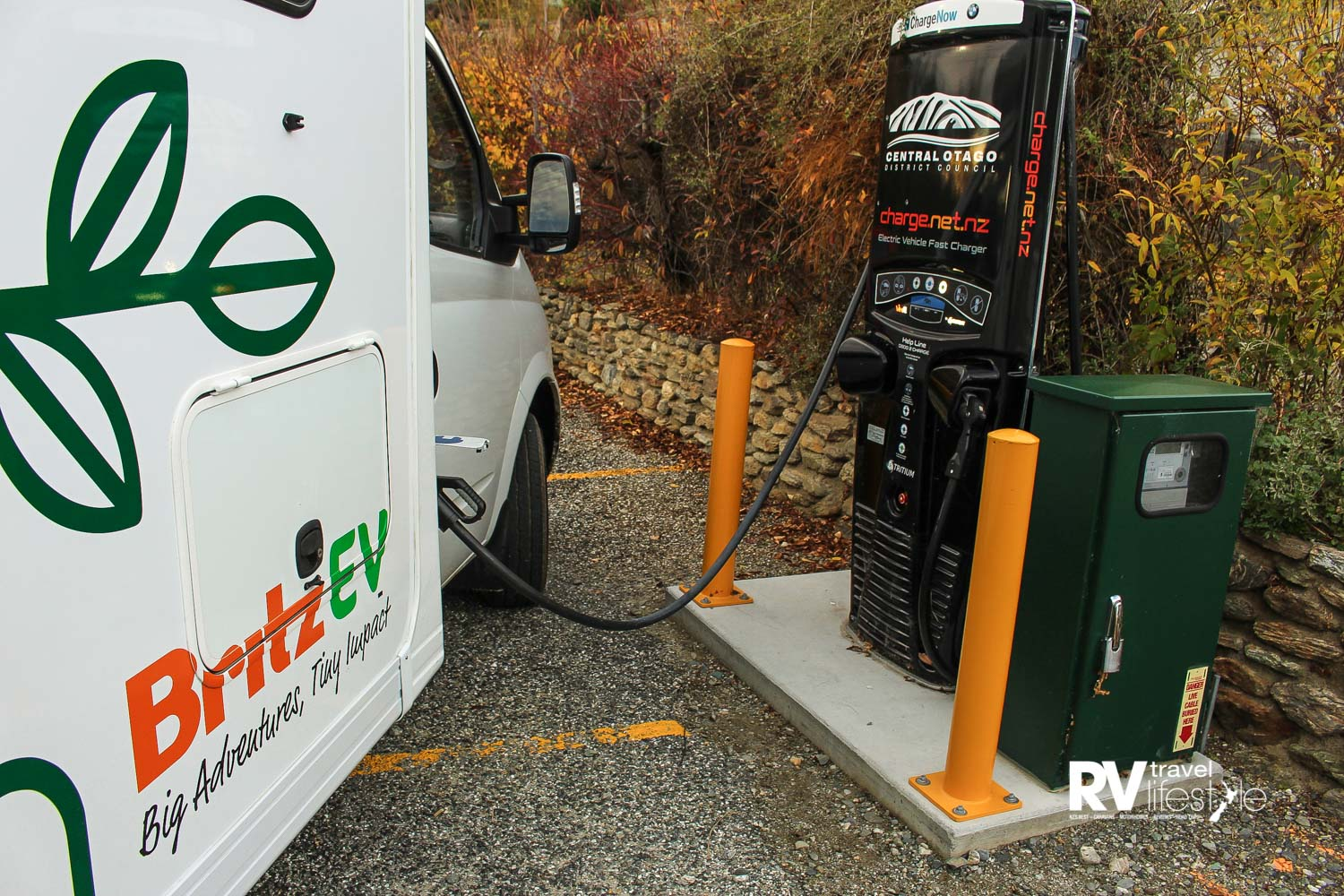 Charging is simple and straightforward. On this trip the ChargeNet network was used. Simple and easy