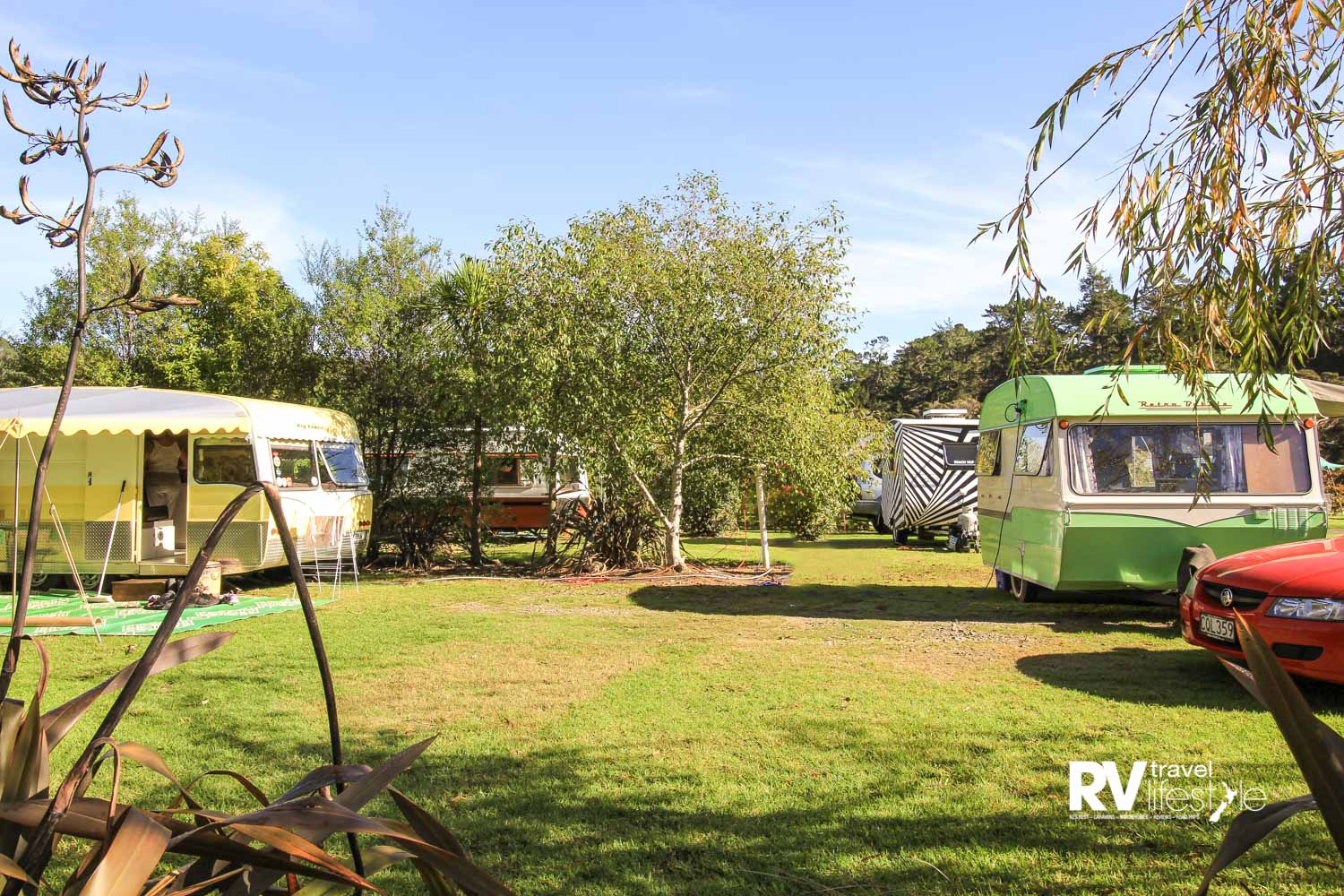 Vintage caravans nestled in the Hot Water Beach Top 10 Holiday Park