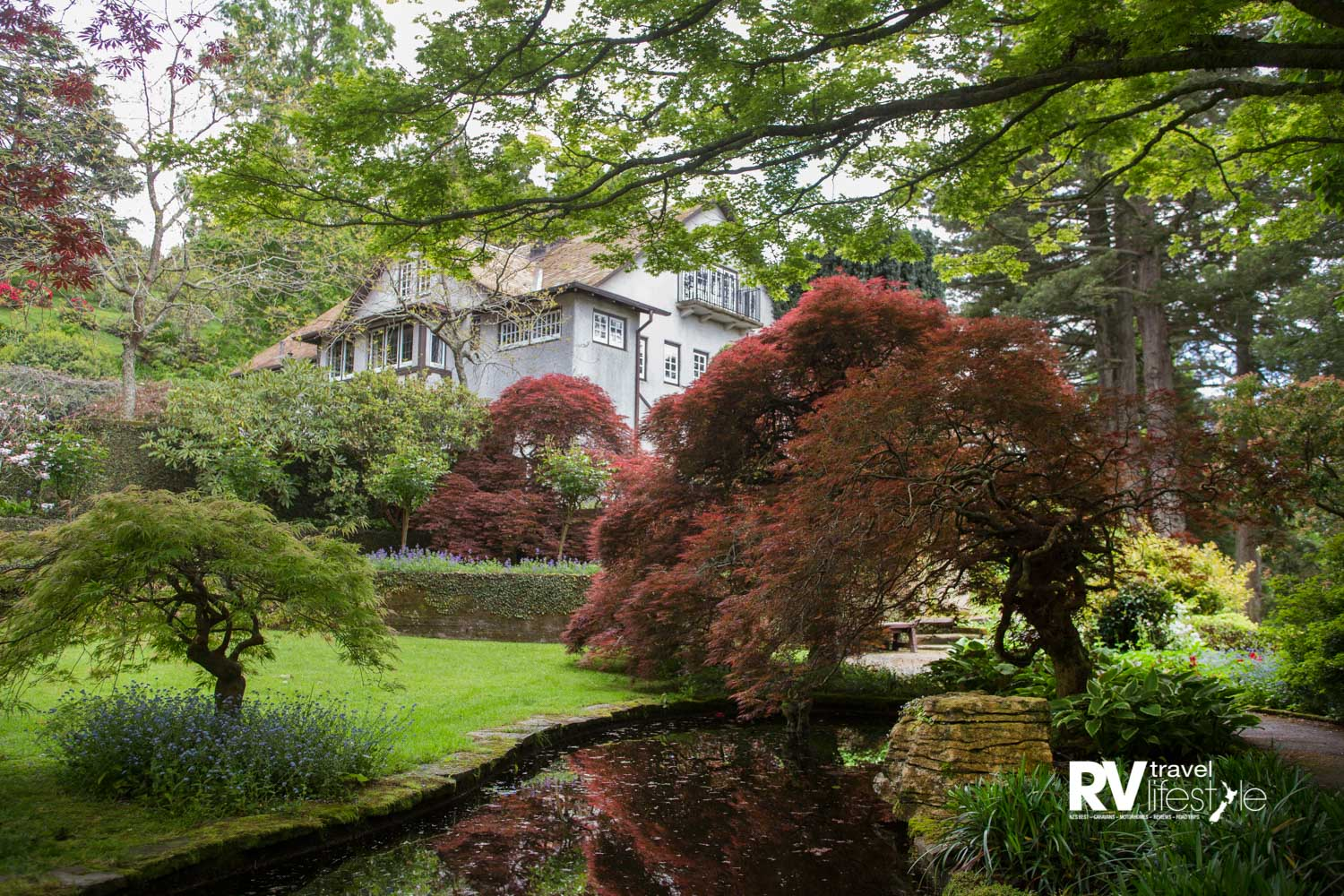 At Tupare the Chapman-Taylor designed house is set among heritage gardens