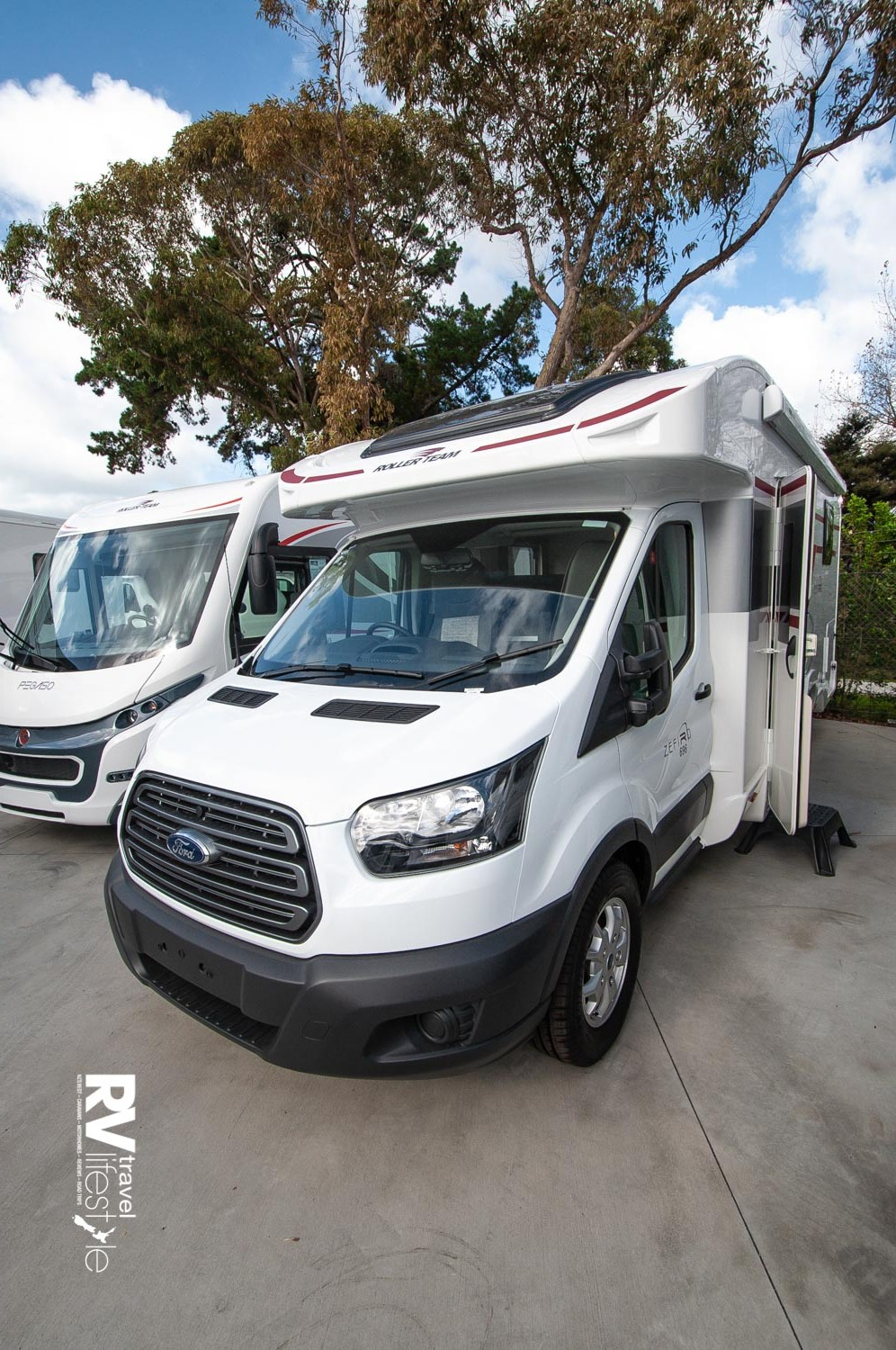Based on the wide-track Ford chassis, this is a low-line model, 3500kg model on a WOF with a rear island bed – tick, tick, tick for many purchasers