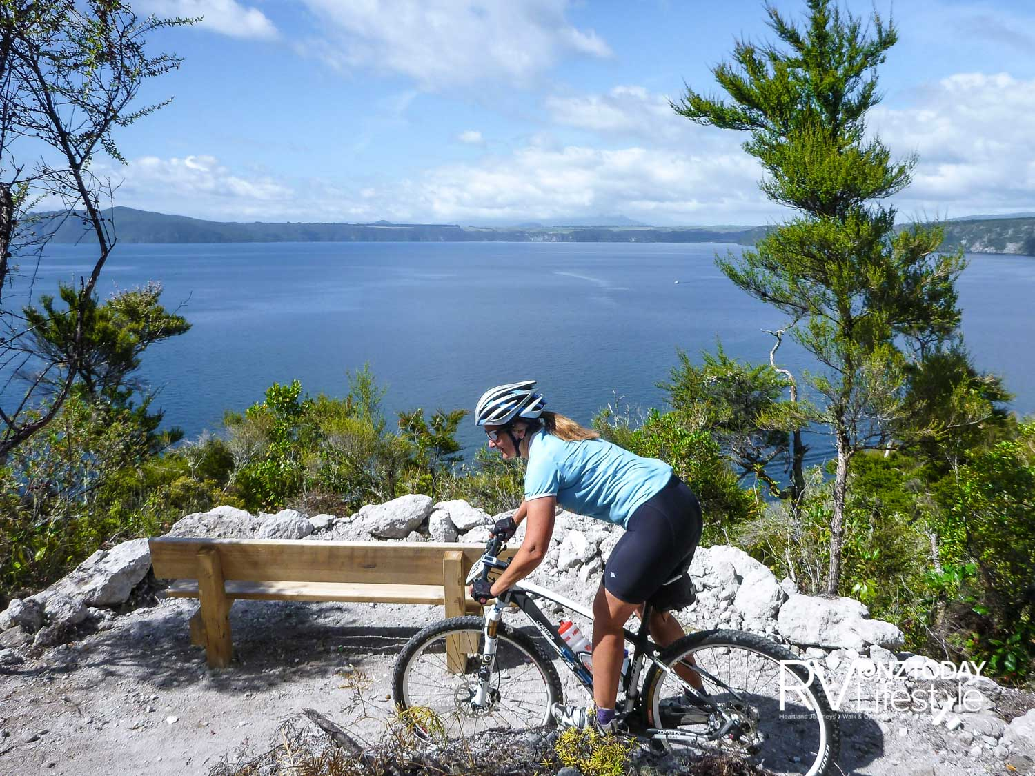 Cruising the headland corners. photo: Destination Great Lake Taupō