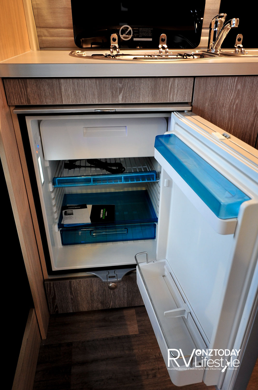 Dometic 78L 12V fridge with removable freezer box