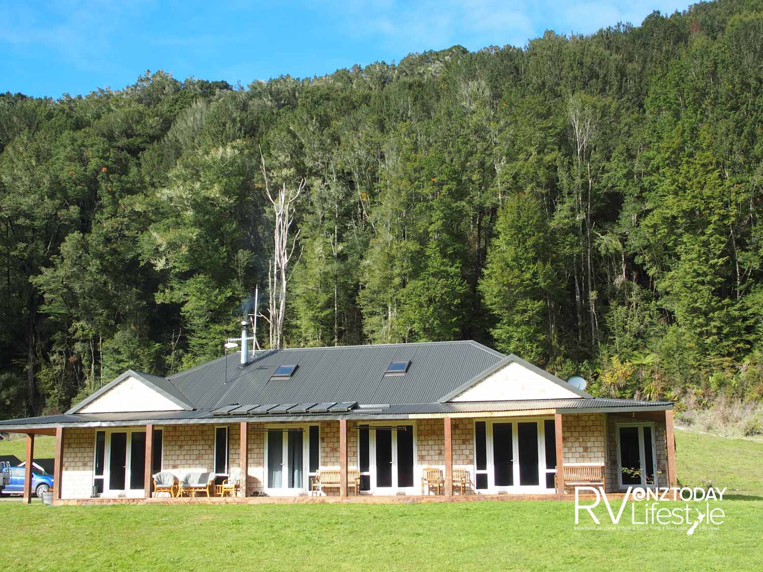 Ahaura Lodge – off the grid– photo NZ Adventures