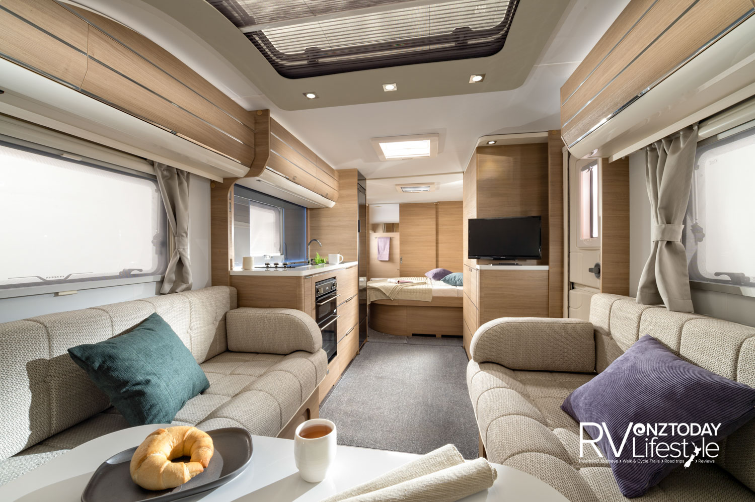 The extra width on these caravans shows right here – check out the walkway space – this is an important aspect for enclosed spaces, making them feel light and not closed in