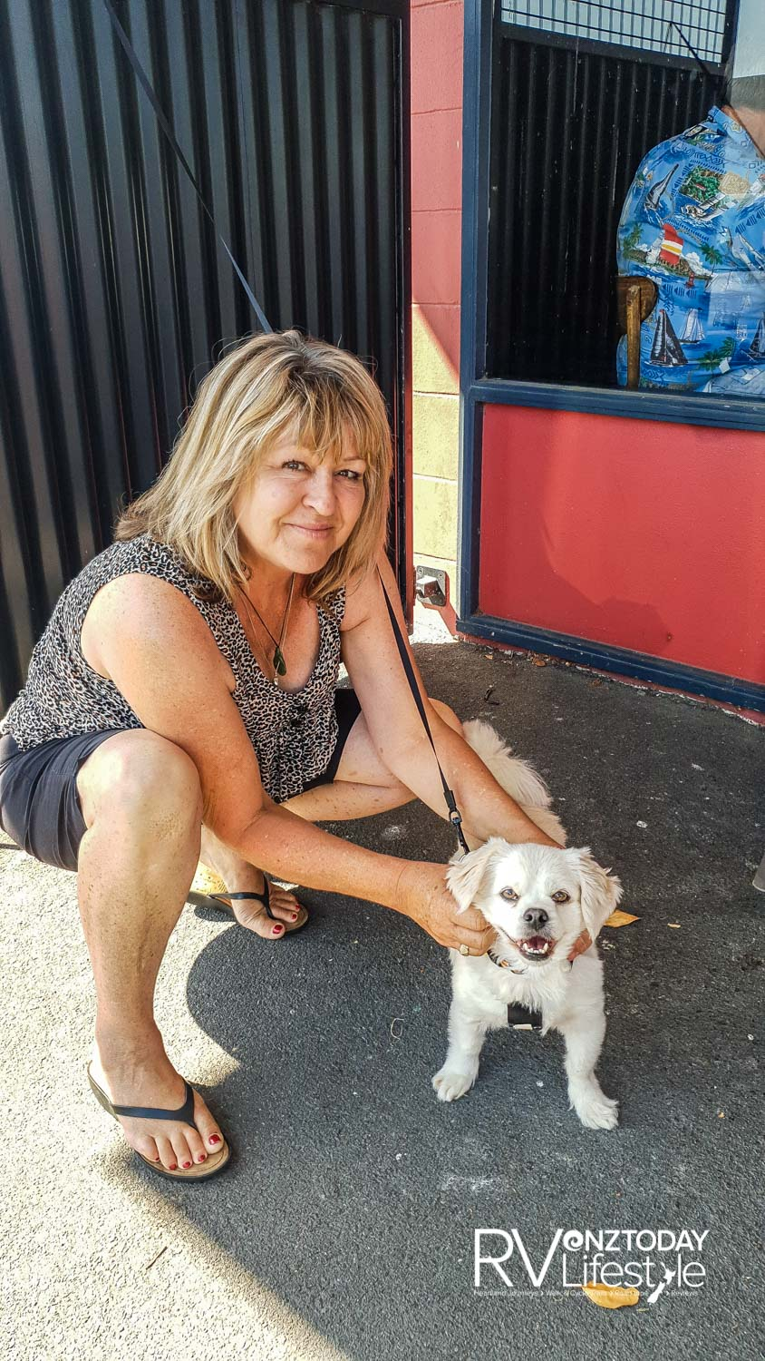 So nice to see Leslie – she was like my aunty when I was a puppy and I lived with my first mama in Tauranga