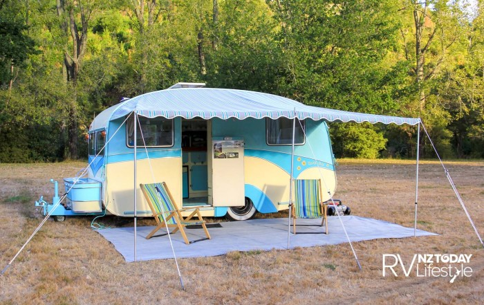 Daisy Mai the 14-foot 1958 Liteweight Kiwi caravan, originally featured in issue RV 74, Don and Marilyn have taken Daisy to motorhome shows around the country