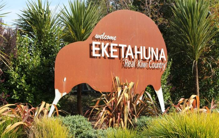 Kiwis are everywhere in Eketāhuna